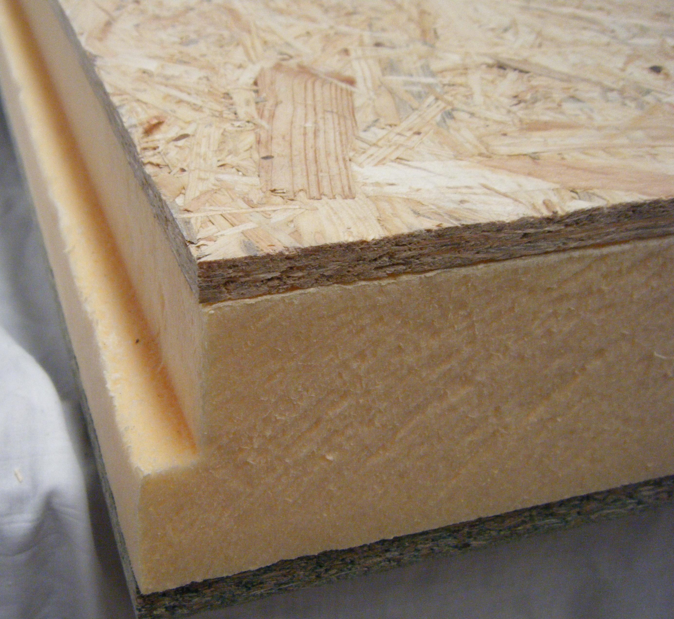 Detalhe Painel sandwich madeira OSB