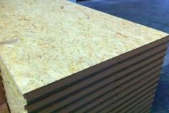 Painel sandwich madeira OSB detalhe sobreposição